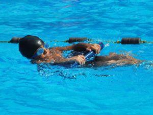 kids_on_swimming
