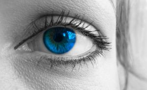girls-blue-eye